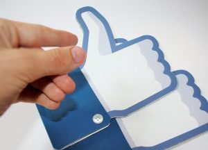 Facebook Users Share Content